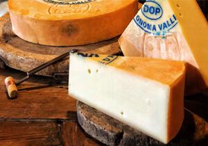Fontina Val D'Aosta Cheese DOP