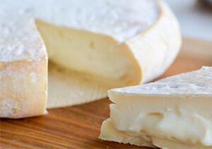 Petit Reblochon de Savoie Cheese