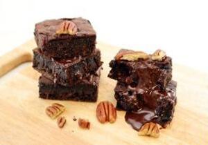 Munchbox, Keto Double Chocolate Pecan Brownies