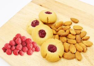 Munchbox, Keto Raspberry Thumbprint Cookies